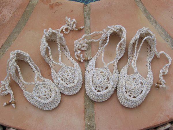 Замечательная обувь связанная
