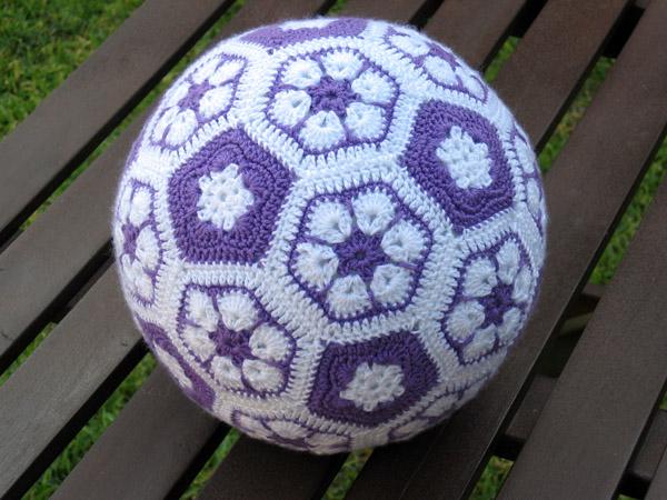esdovi_pelota_african_flower_crochet_01